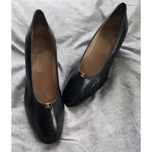 GUCCI authentic vintage black leather heels